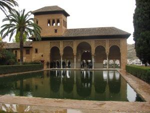 Palacio y alberca