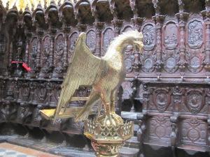 El Fénix y los tronos de los cardenales