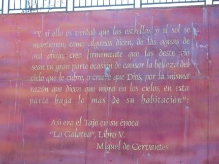 ...y deslumbrado con el Tajo, escribió Cervantes esto