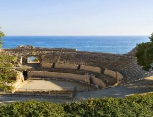 El Coliseo y el mar Mediterráneo, Tarragona-Catalunya