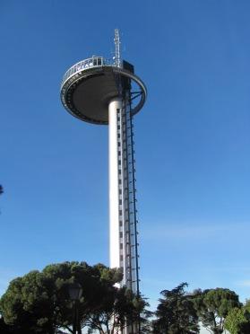 Torre vigía, conmemorativa del descubrimiento