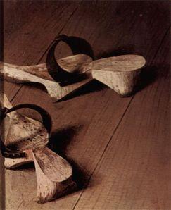 Jan van Eyck, El matrimonio Arnolfini 1434. Detalle zuecos.