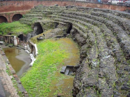 Ruinas de un anfiteatro romano.