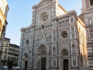 El mármol que hace diferentes las catedrales e iglesias Florentinas.