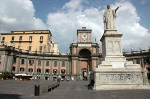 Soy discípulo de Dante, inevitable no ir a la Piazza Dante.
