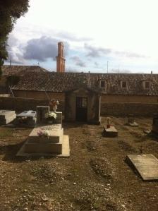 Cementerio Municipal de Pastrana. Qué viva el Romanticismo y la Necrofilia.